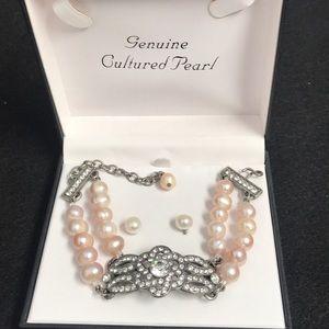 Authentic vintage Haley hill pearl bracelet